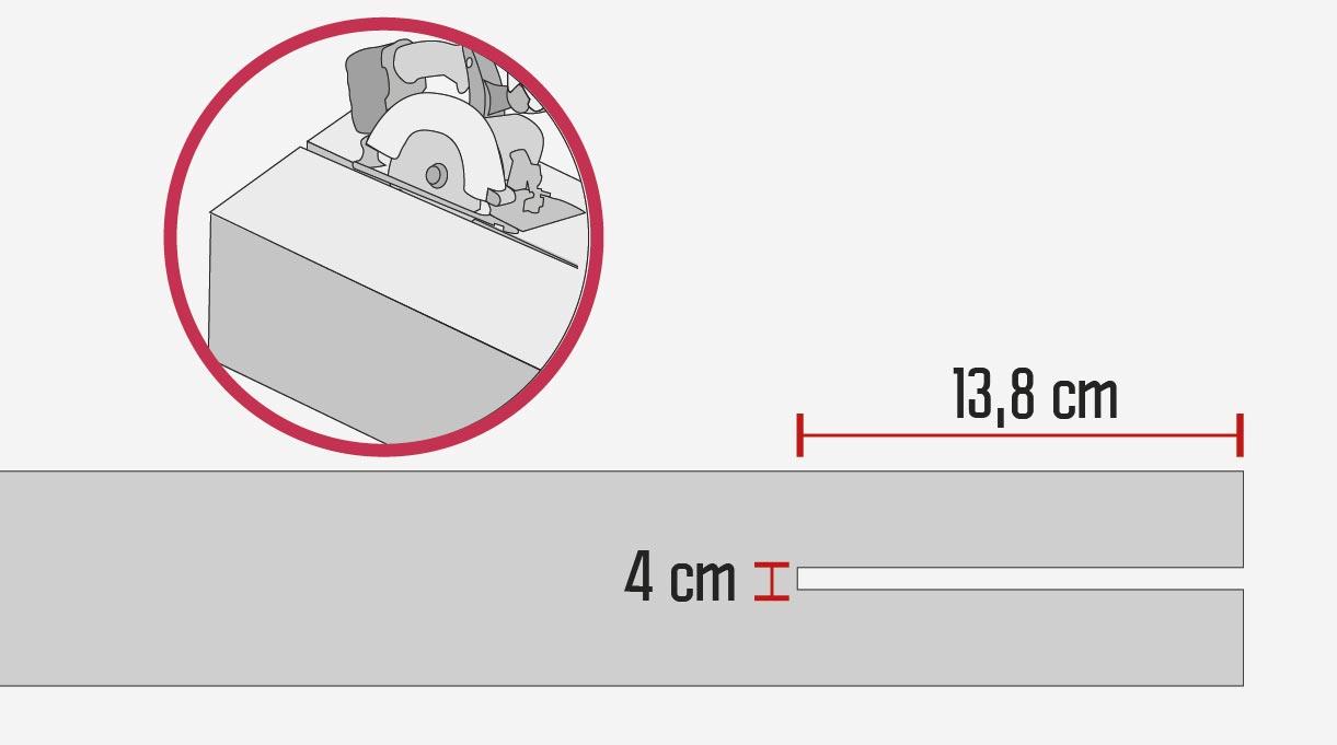"""En los 4 pilares de pino oregón de 6×6"""", que miden 2,4 mt de altura, hay que hacer los calados para encajarlos en los soportes de los pilares. Estas ranuras miden 4×13,8 cm y se cortan con sierra circular y formón"""