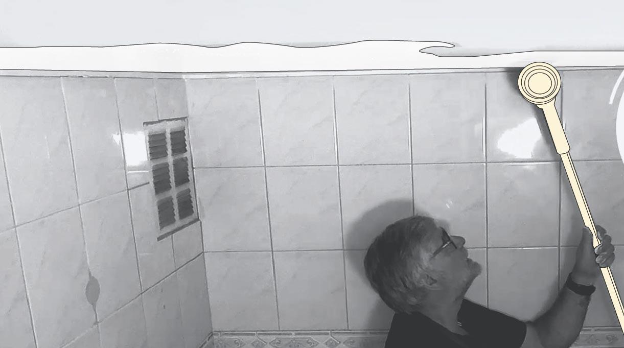 Pintar el cielo del baño con rodillo easy paint