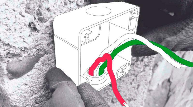cómo cambiar enchufe exterior - cables en el conduit