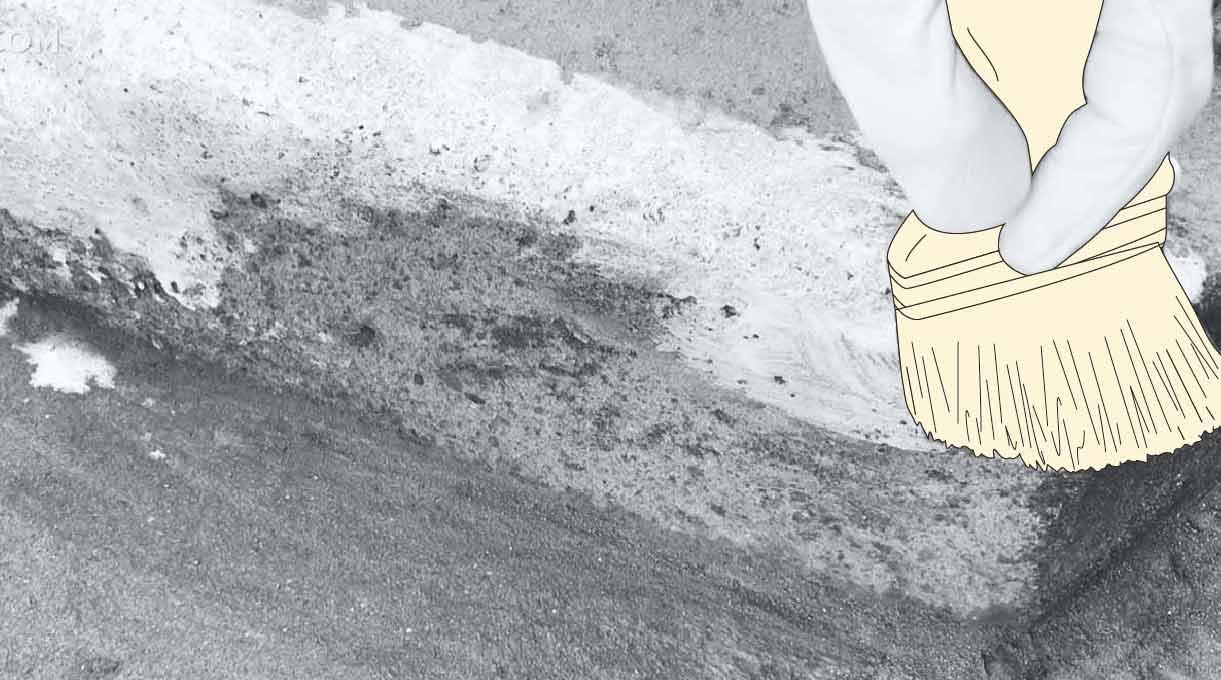 reparar peldaño escalera de cemento - aplicar el promotor de adherencia