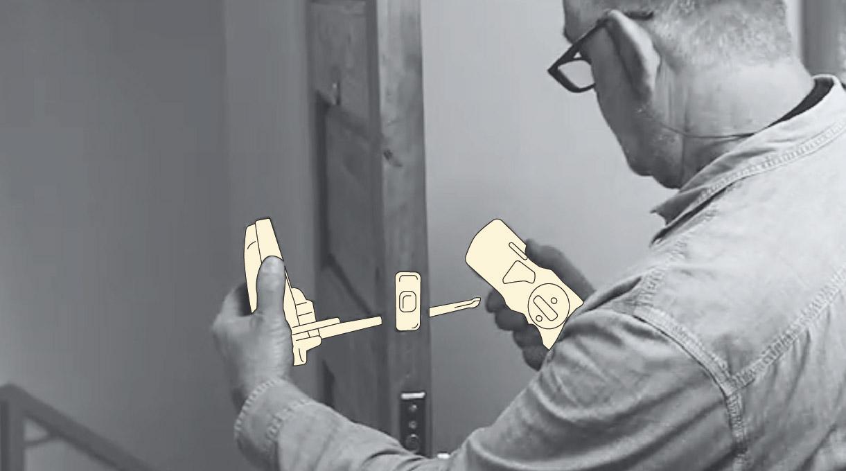 como instalar una cerradura digital - pasar el cable por el agujero