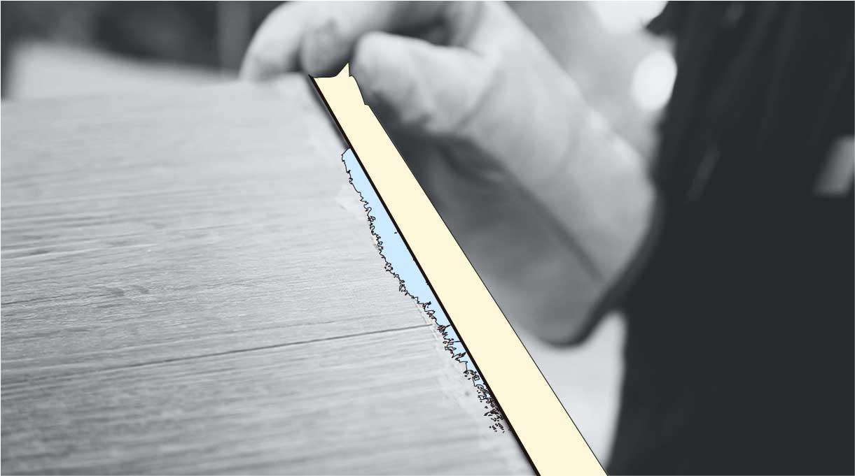 """Tras haber pegado el piso vinílico con el adhesivo, vamos a hacer una terminación con un perfil de aluminio 1 x 1"""""""