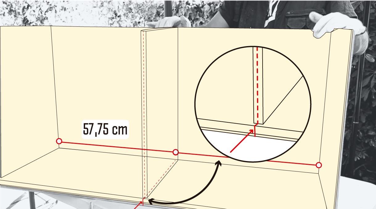 El tamaño de la madera de la placa divisoria para hacer el mueble para guardar zapatos es de 55,7 x 38,2 cm.