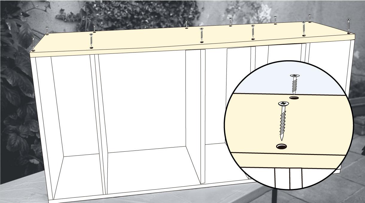 instalar la cubierta superior con tornillos