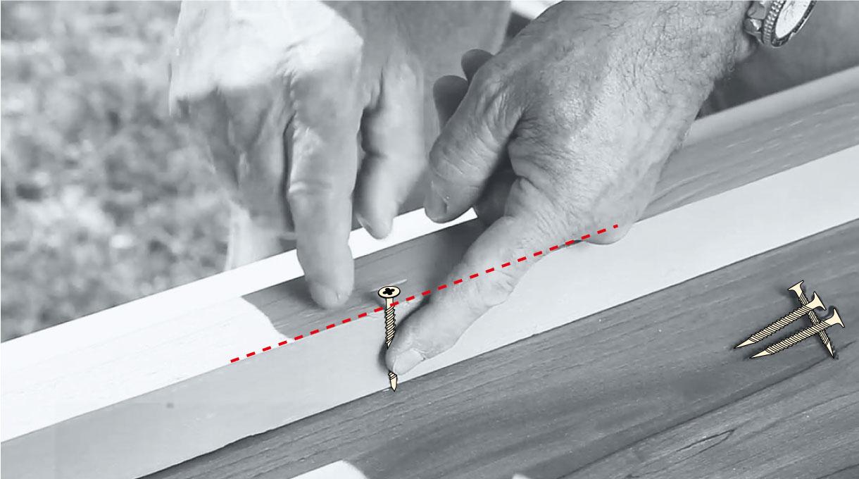 Mide el tornillo con la estructura para evitar traspasar la melamina