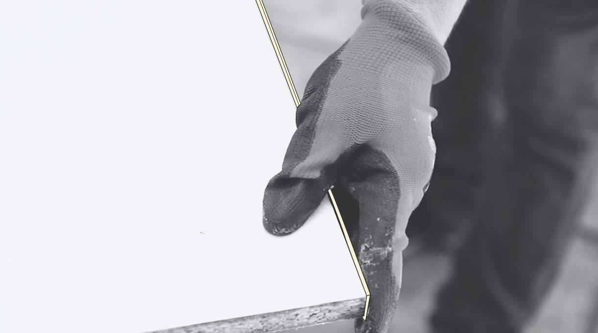 instalación del tapacantos en el borde