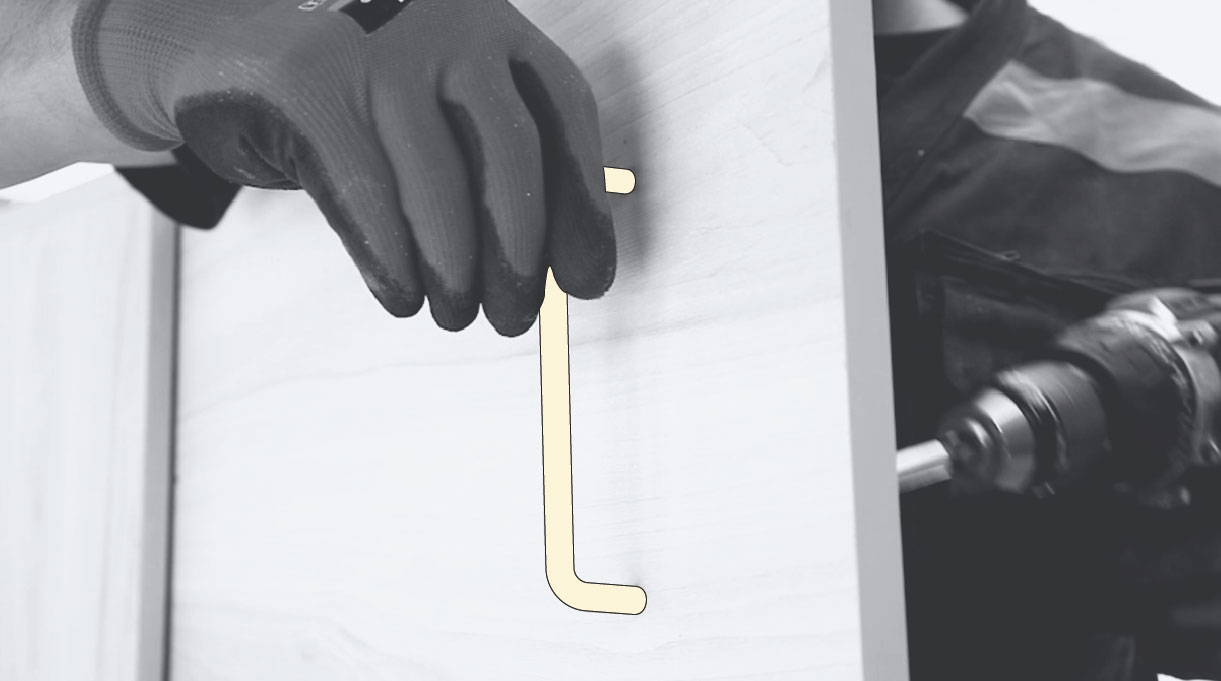 instalación de las manillas en la puerta