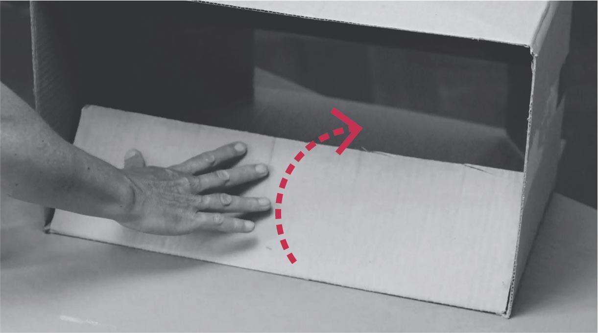 doblar aleta con el pegamento hacia dentro de la caja