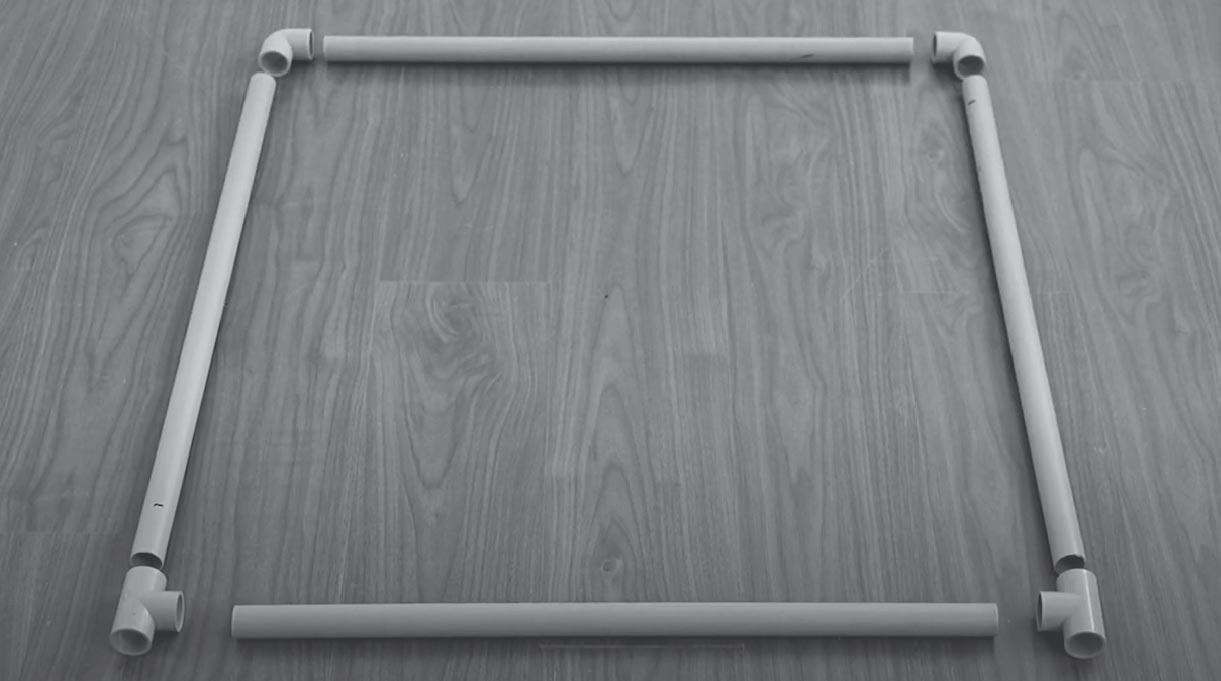 armar la base del colgador de toallas con tubos de PVC