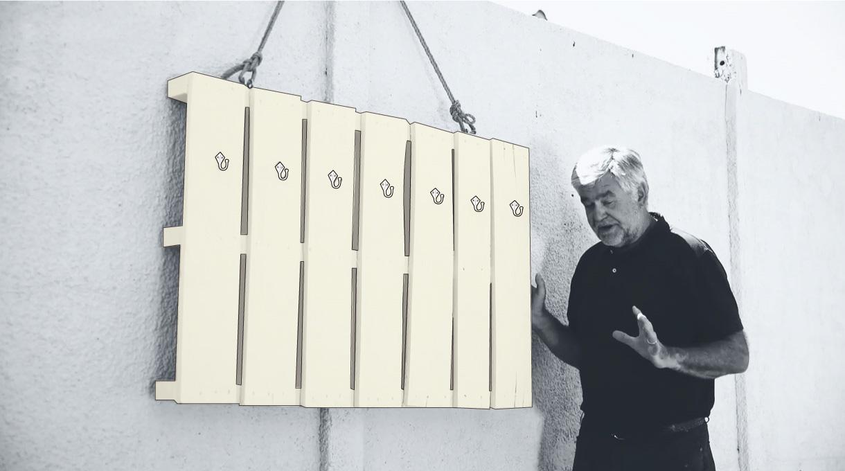 organizador de piscina colgado en el muro