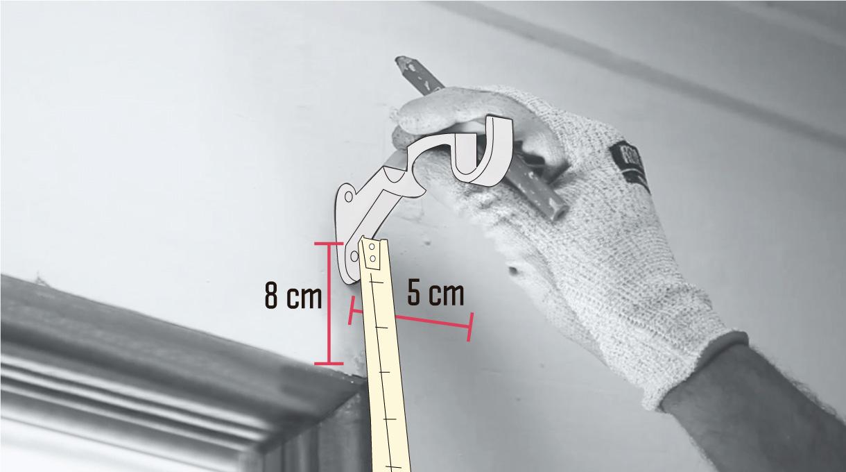Marcar las medidas para instalar las fijaciones de la cortina