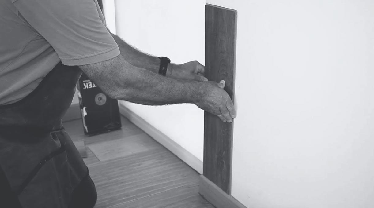 instalar el revestimiento en la pared
