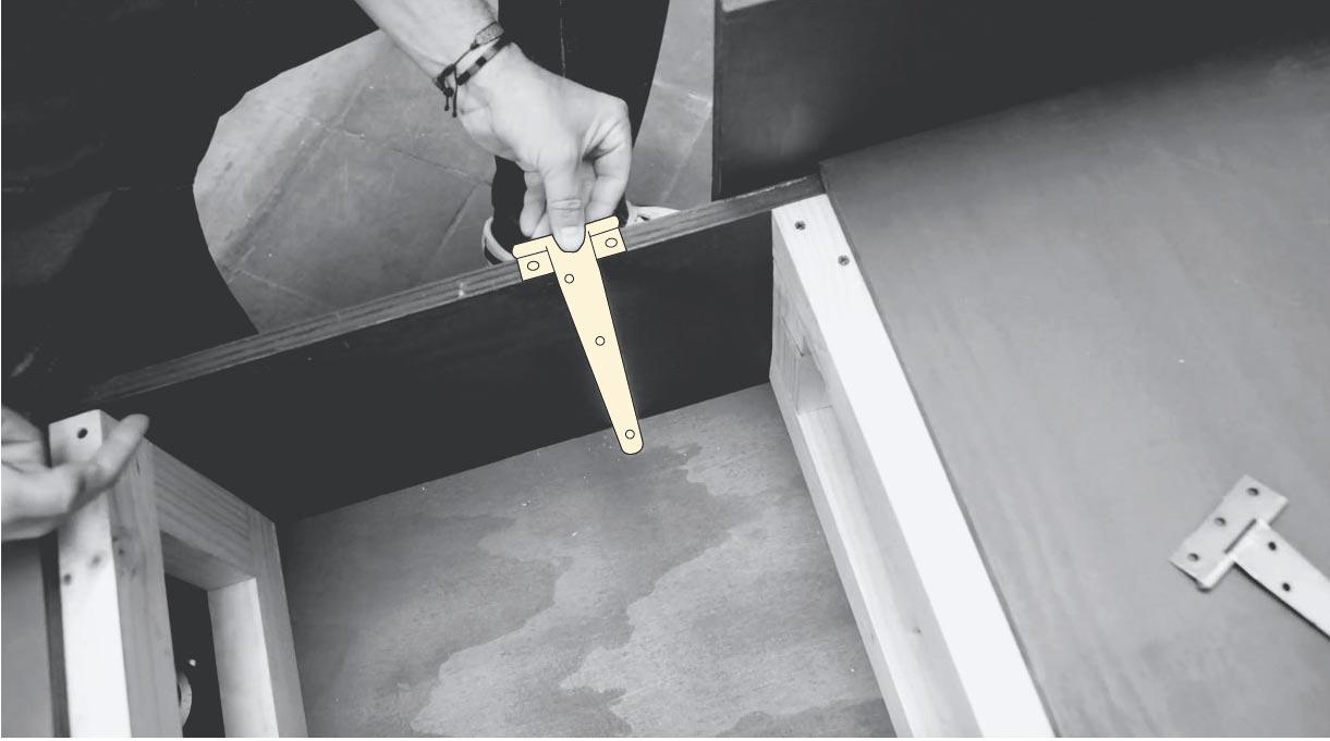 instalar las tapas con bisagras del mueble en L