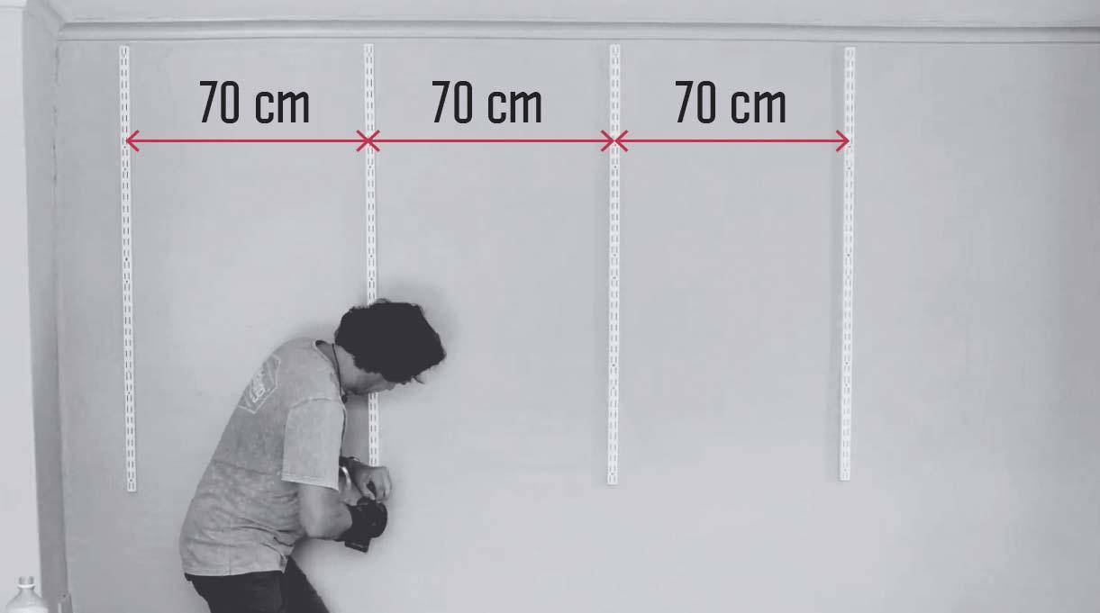 distancia de 70 cm entre los pilares donde irán las repisas