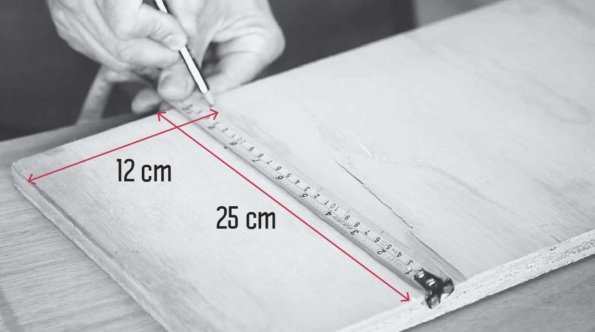 medidas para la base de la lámpara reciclada