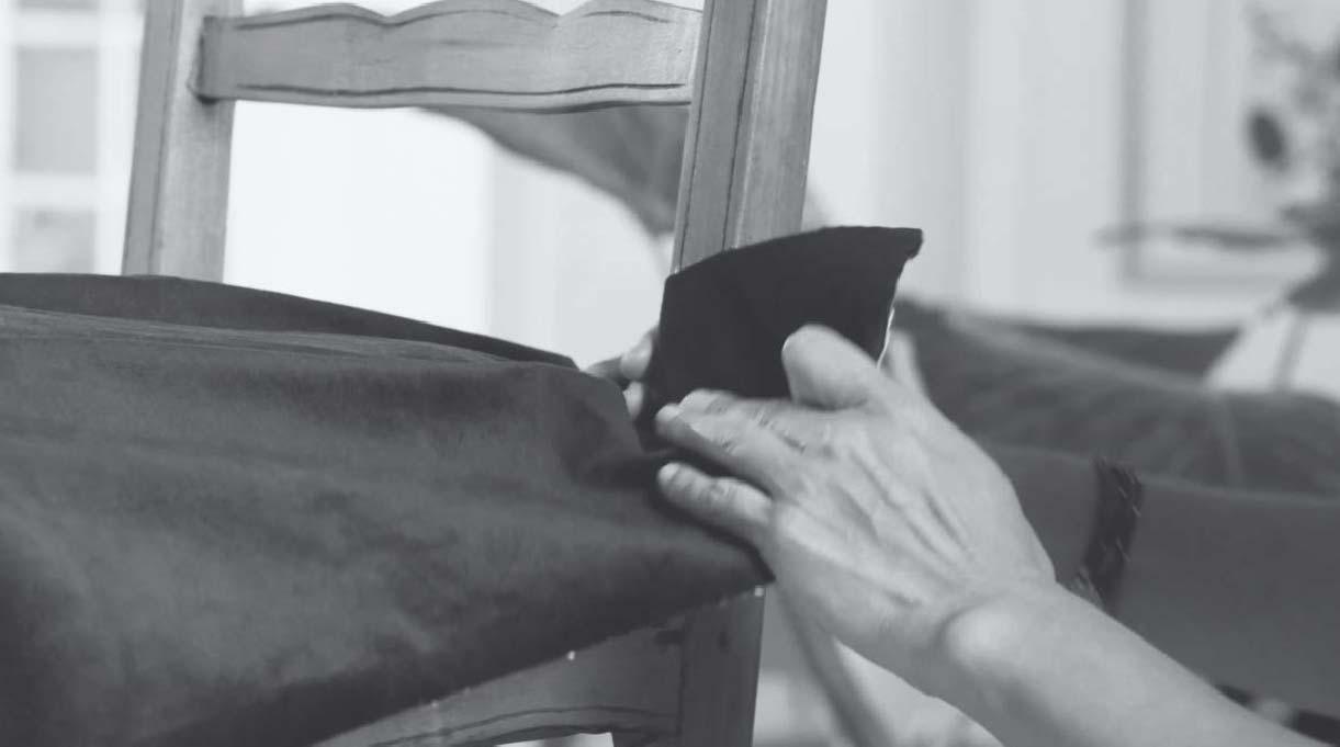 estirar bien la tela del asiento de la silla