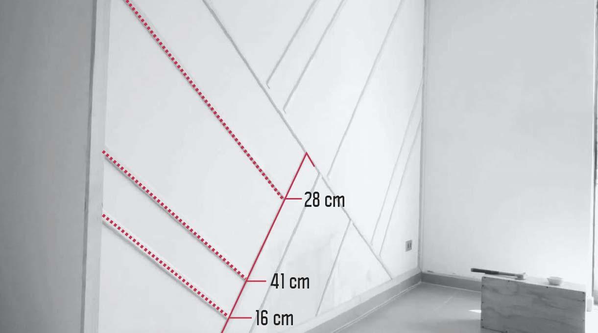 marcas de las líneas paralelas a la diagonal de la primera moldura