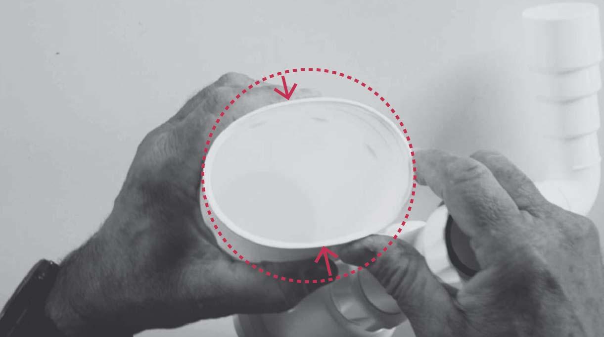 vaso del sifón del lavamanos no debe estar deforme