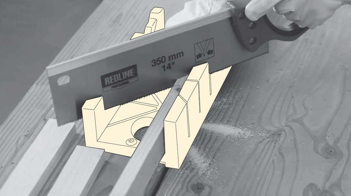 cortar los trozos de pino cepillado con serrucho y caja de ingletes