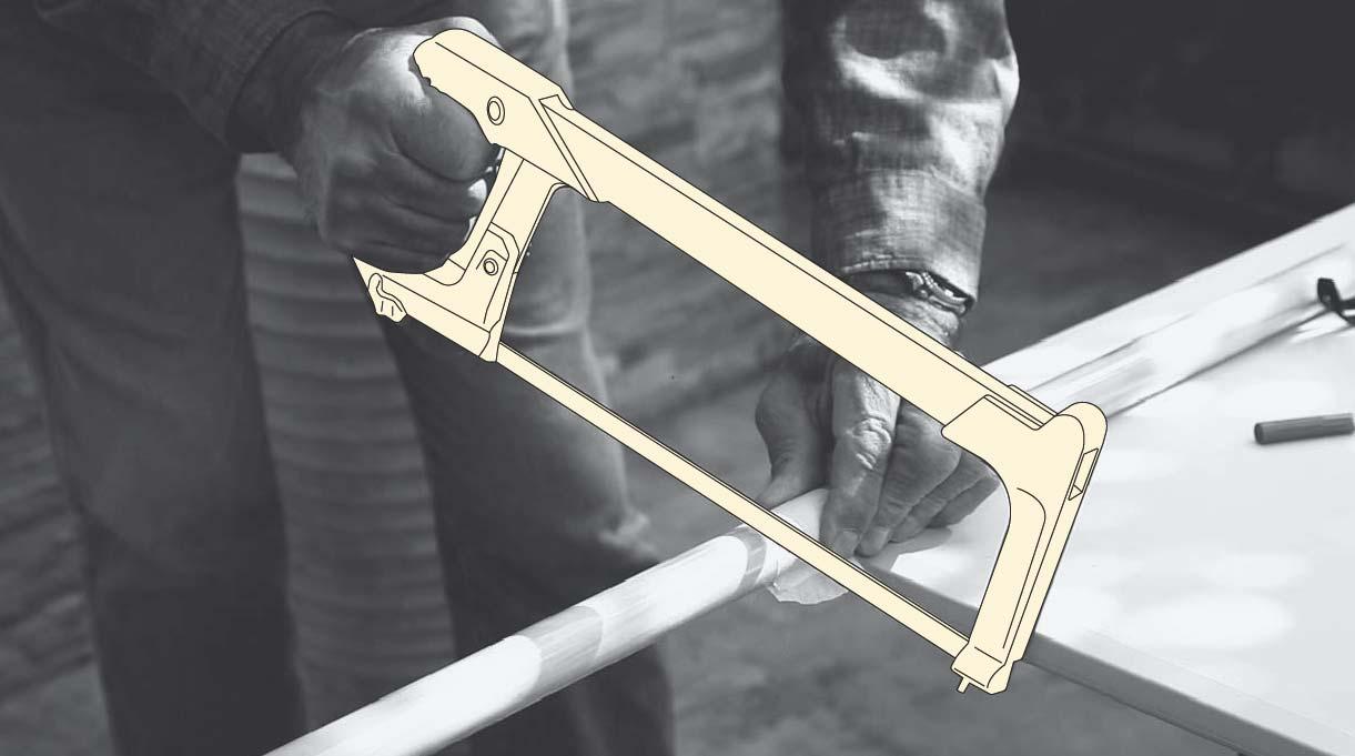 cortar con el serrucho la madera a los 40 cm para hacer las patas del banquito