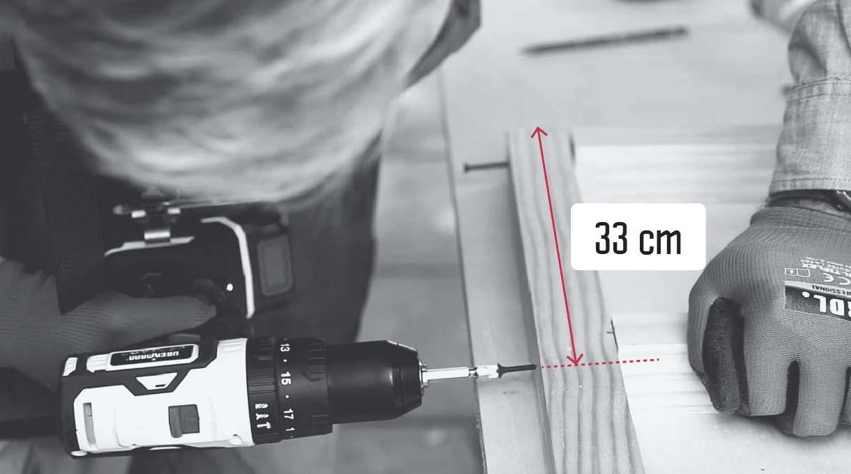 colocar el palo del medio en forma vertical al horizontal y a los 33 cm
