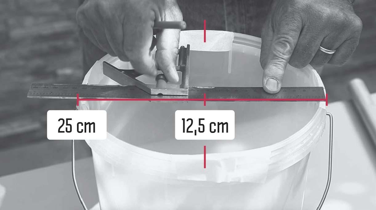 marcar 4 puntos a 90 grados de la circunferencia del tarro