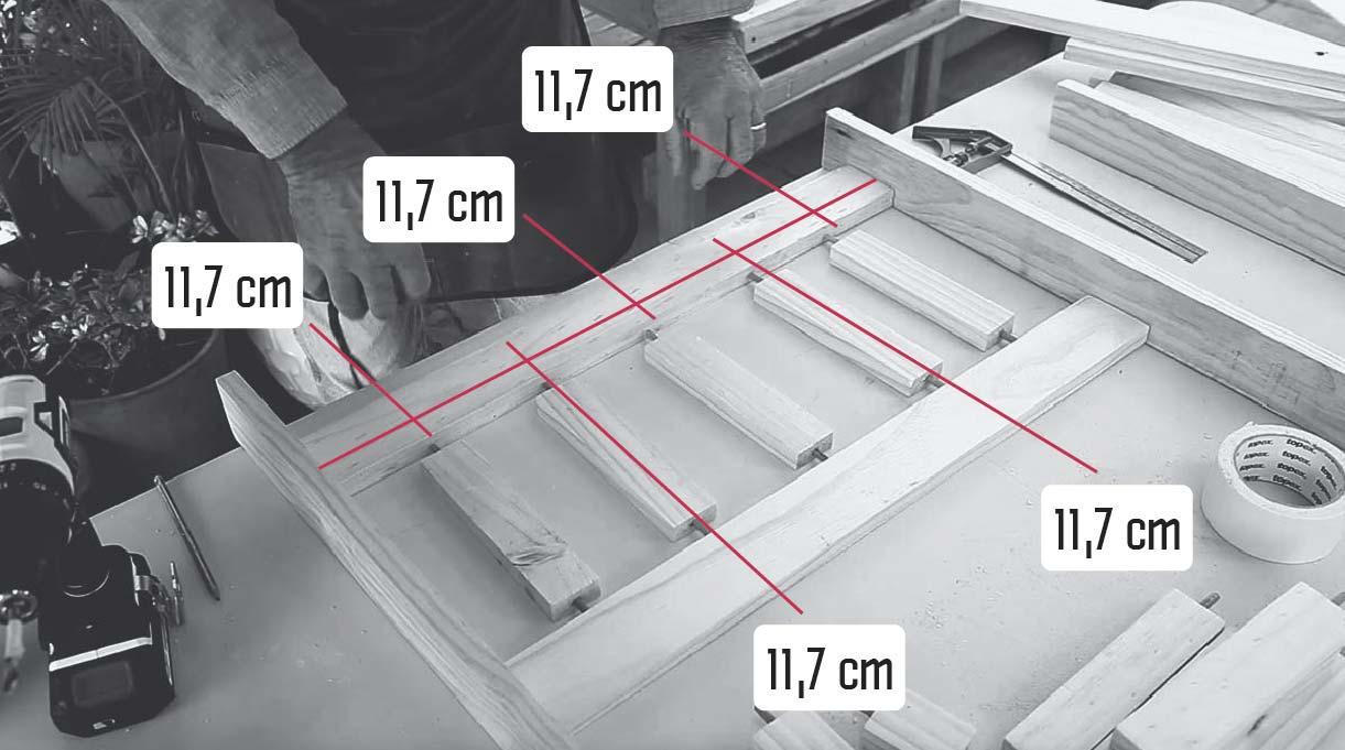 colocar los palos de la baranda a 11,7 cm de distancia cada uno