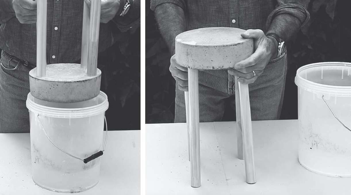 desmoldar el banquito de concreto