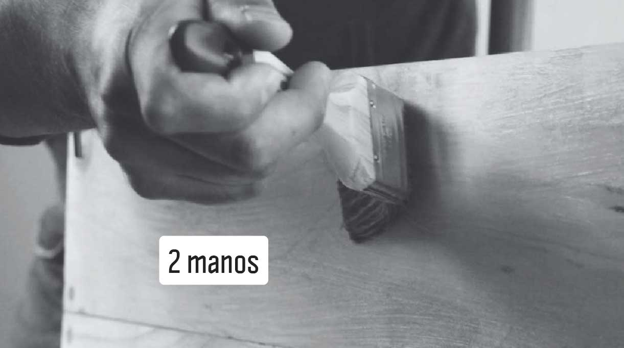 pintar la caja autorregante con dos manos