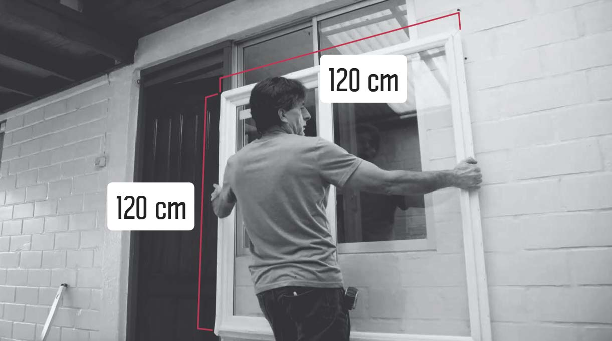 las medidas de la ventana nueva son de 120 x 120 cm