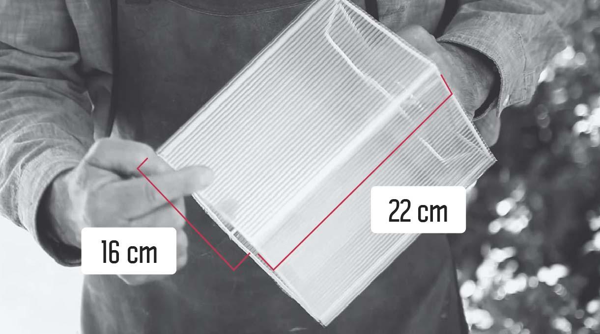 pantalla de lámpara de 16 cm de ancho por 22 de alto