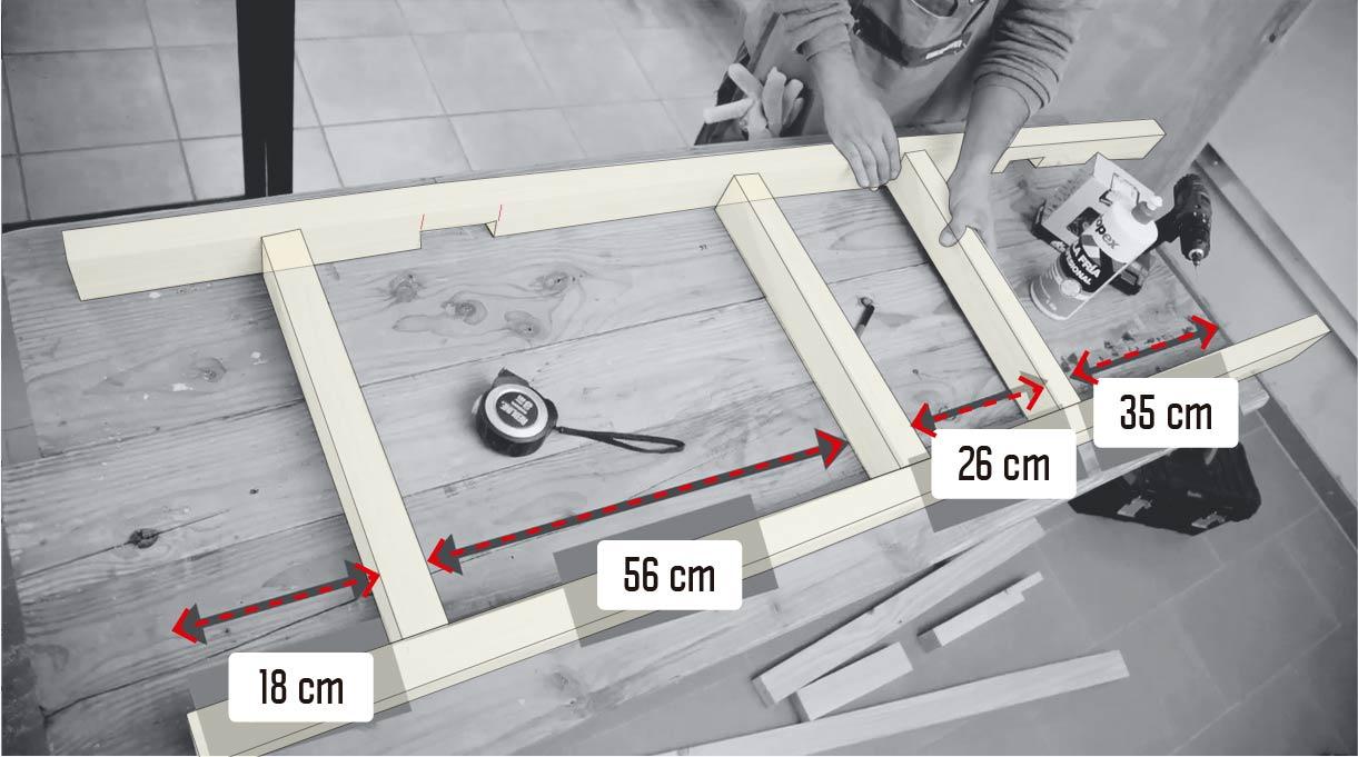 armar la escalera y fijar el primer peldaño a los 18 cm, luego a 56, 26 y 35 cm