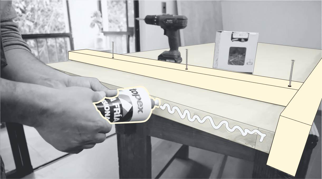 colocar cordón de cola fría en la madera