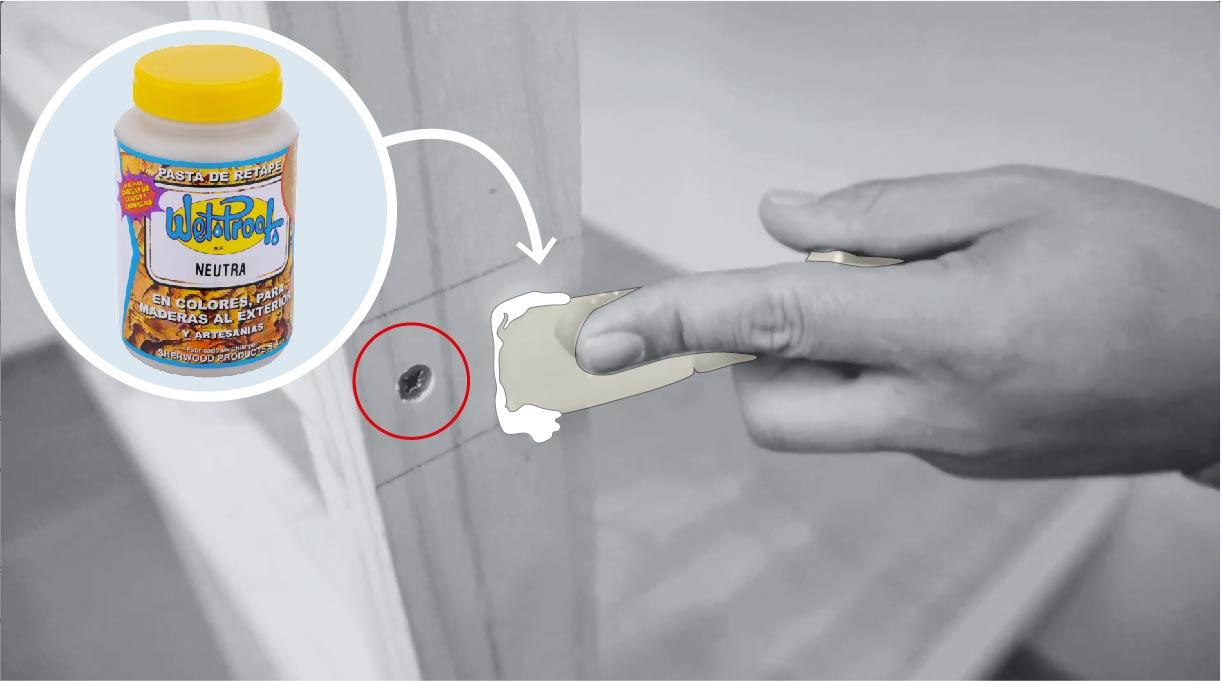 aplicar masilla en las cabezas de los tornillos