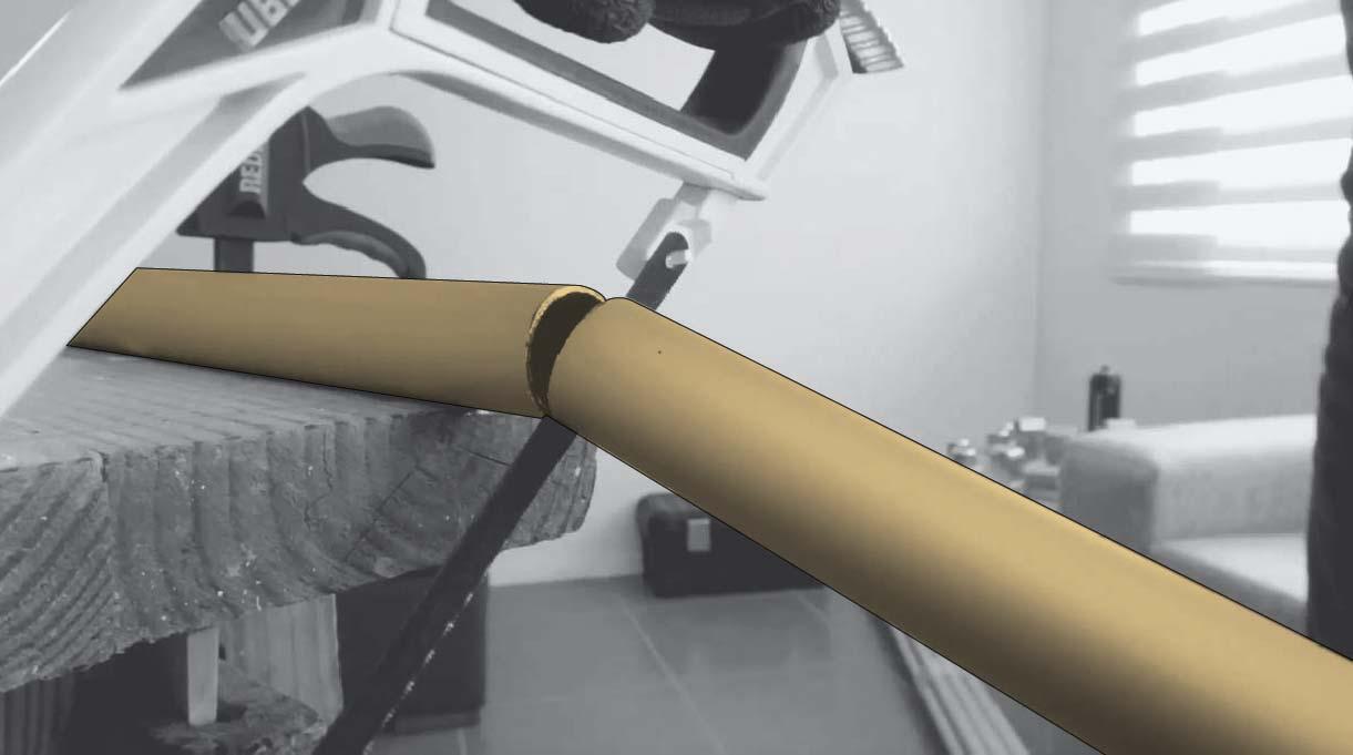 cortar los tubos de aluminio con sierra manual o esmeril angular