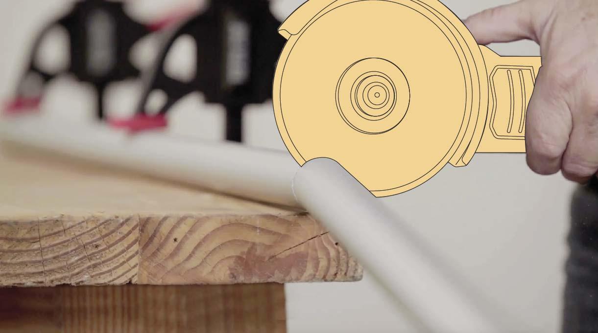 cortar los tubos con esmeril angular