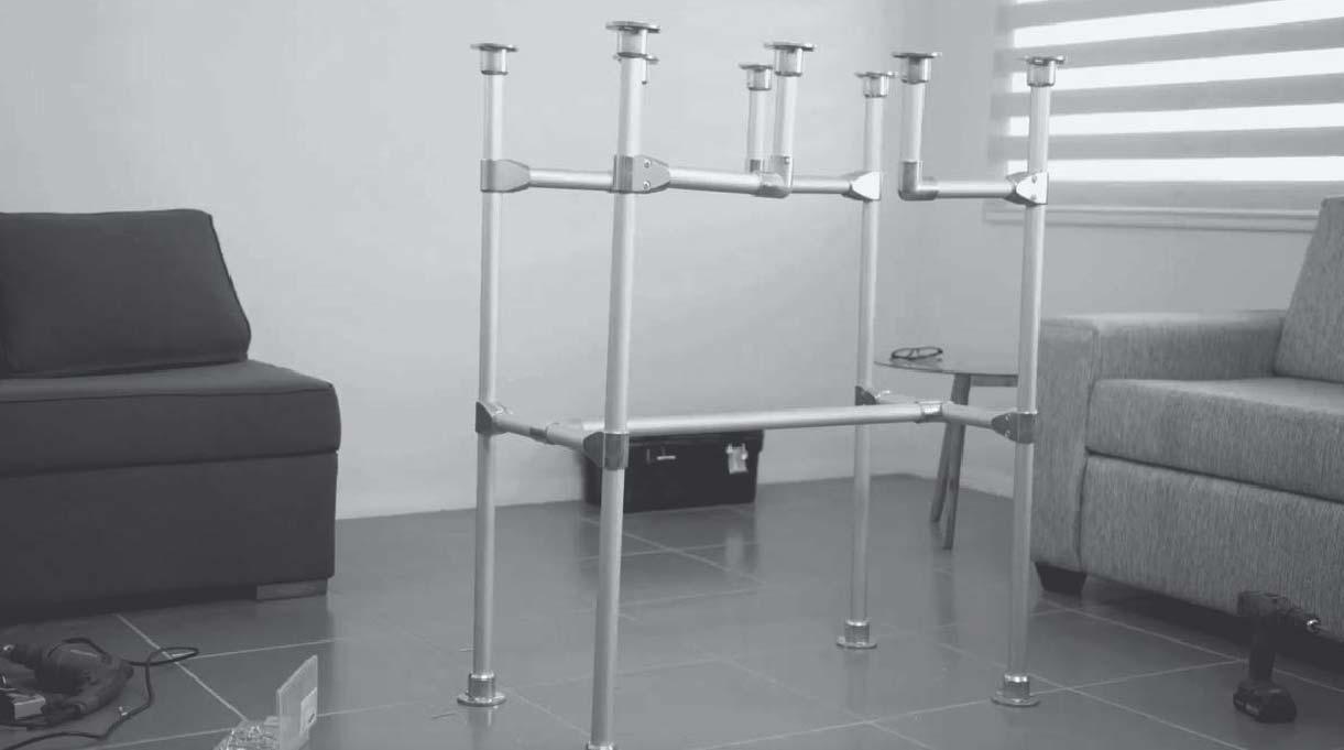 escritorio industrial sin la cubierta y las repisas