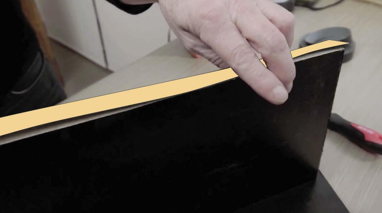 pegar cubrecanto en los bordes de la repisa de cocina