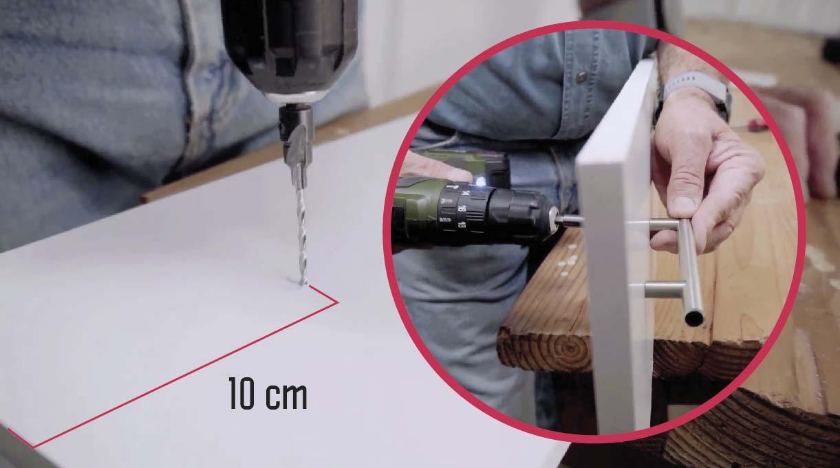 Instalar la tapa delantera usando el perno que viene incluido y perfora a 10 cm del borde superior y al centro de la tapa delantera