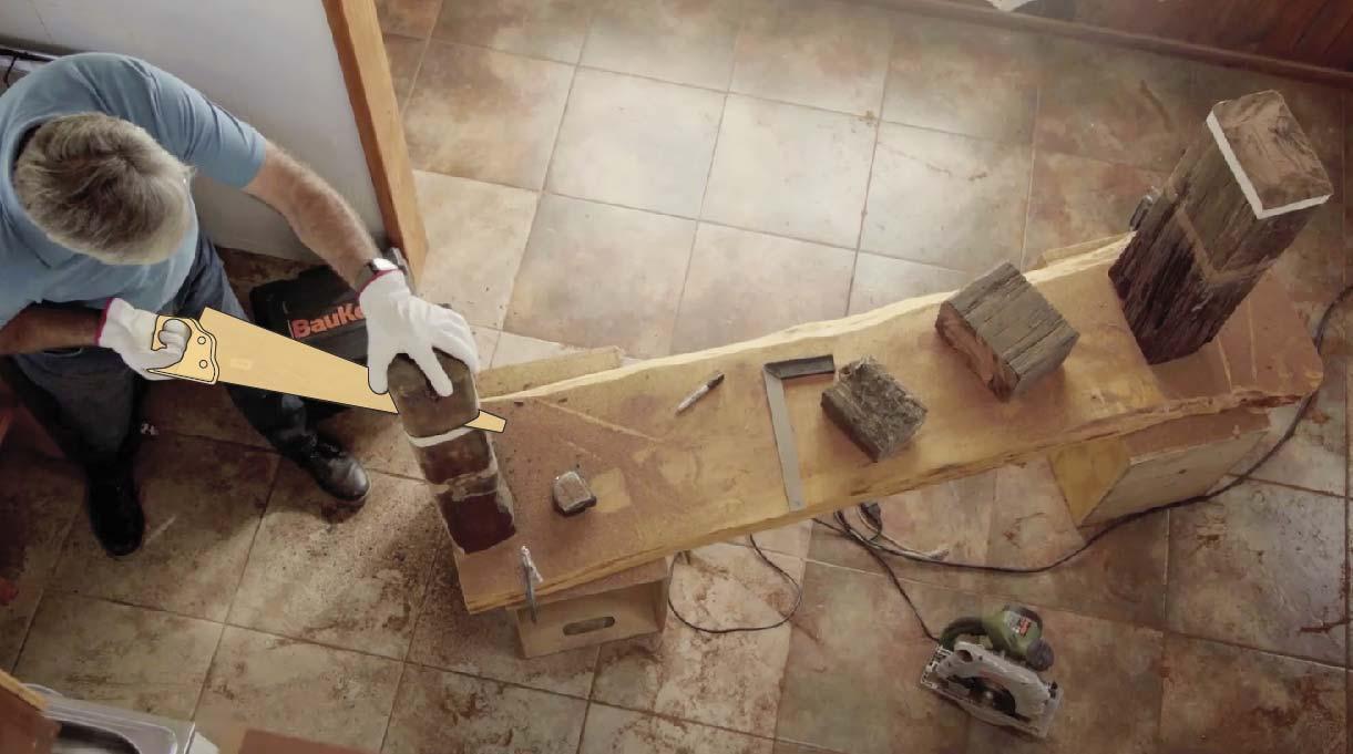 Como la madera es muy gruesa la sierra no da todo su ancho, por lo que irás rodeándola con la sierra y finalizarás el corte usando un serrucho