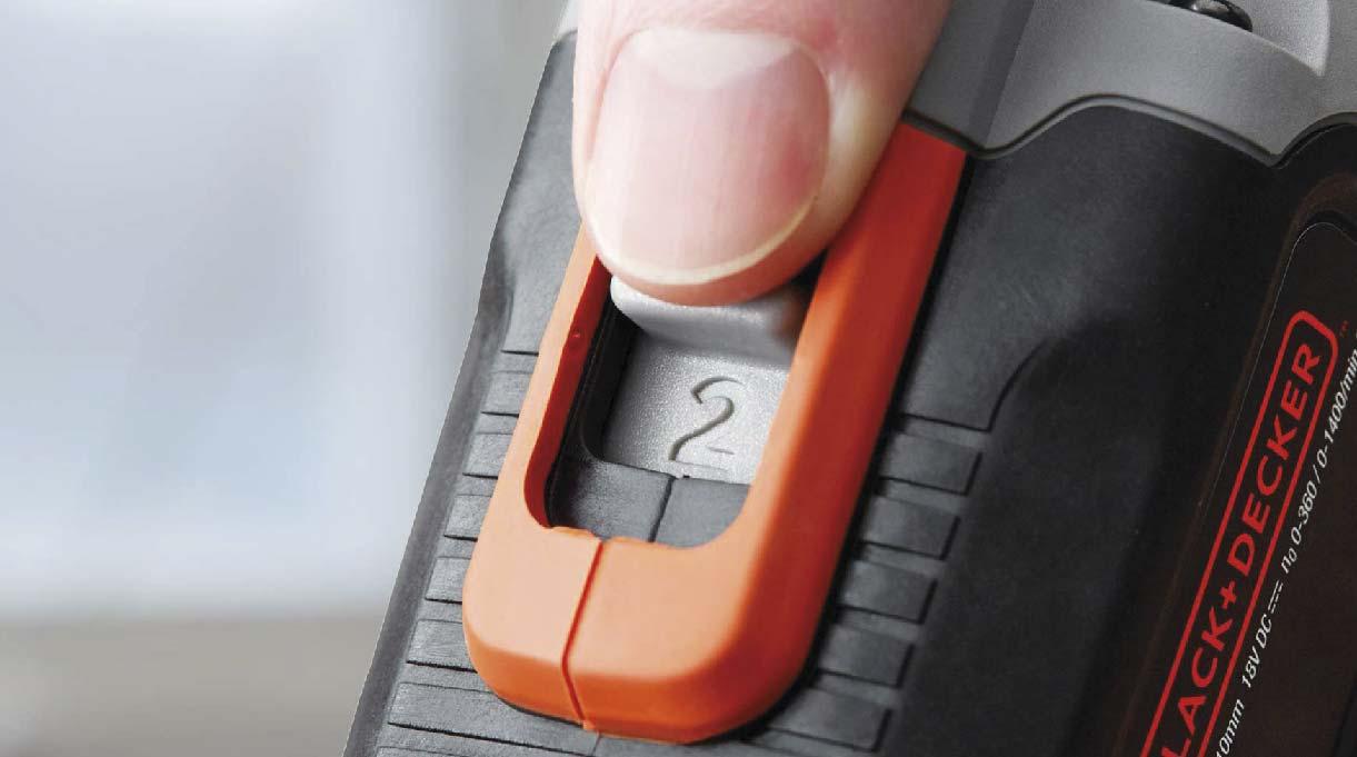 el taladro atornillador trae un regulador de velocidad, generalmente entre 1 y 2
