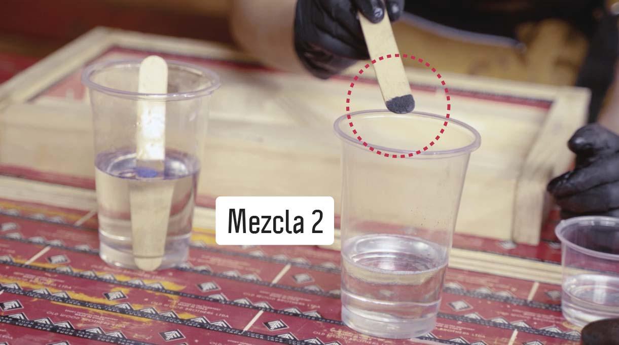 Haz dos mezclas de distintos colores