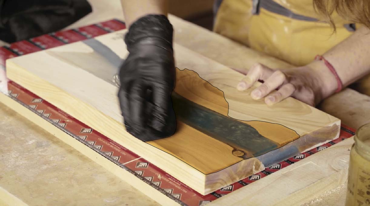 Sellar la tabla de picar con resina con un aceite cera