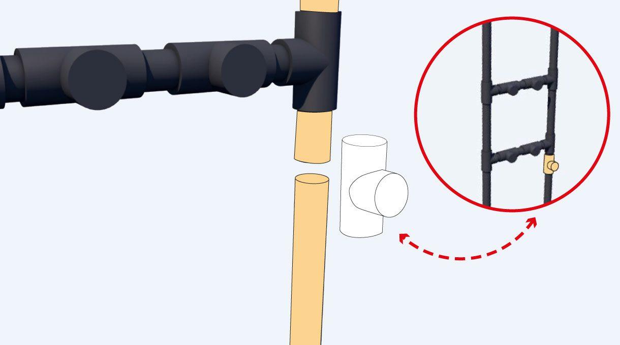 Debajo de uno de los puntos intermedios necesitarás otro corte para poder poner una tee y así colocar otro tubo horizontal que reforzará la estructura